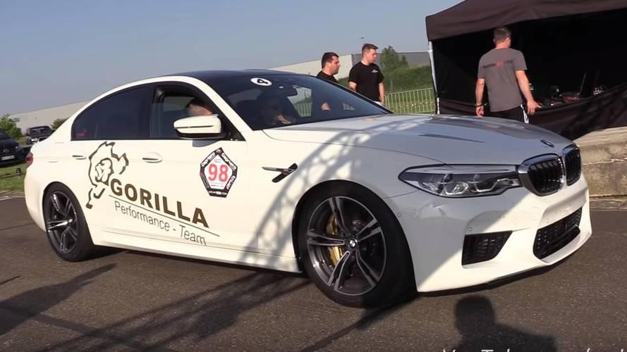 Modifiyeli yeni BMW M5 drag yarışında