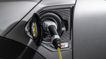 Mini adds plug-in power to new Countryman lineup 032