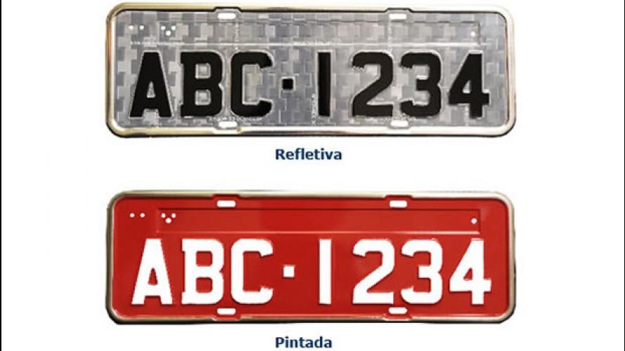 Placas de carro refletivas serão obrigatórias em 2012