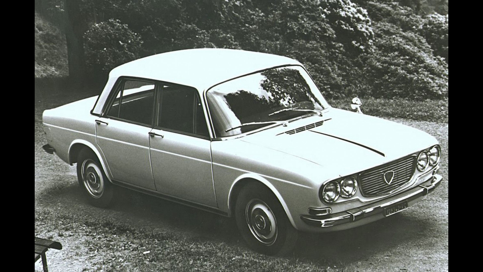 https://icdn-1.motor1.com/images/mgl/Ymgxl/s1/lancia-flavia-tecnica-rivoluzionaria.jpg