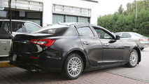 2016 Alfa Romeo Giulia test mule spy photo
