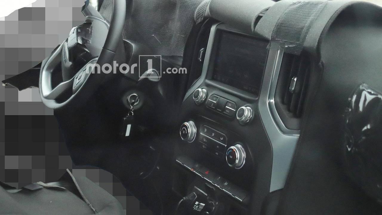 GMC Sierra kabin