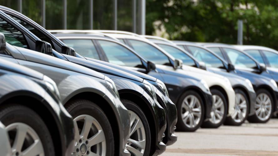 Vendite auto, crescono le aziende a scapito dei privati