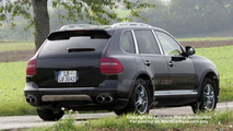 SPY PHOTOS: Porsche Cayenne Facelift Undisguised