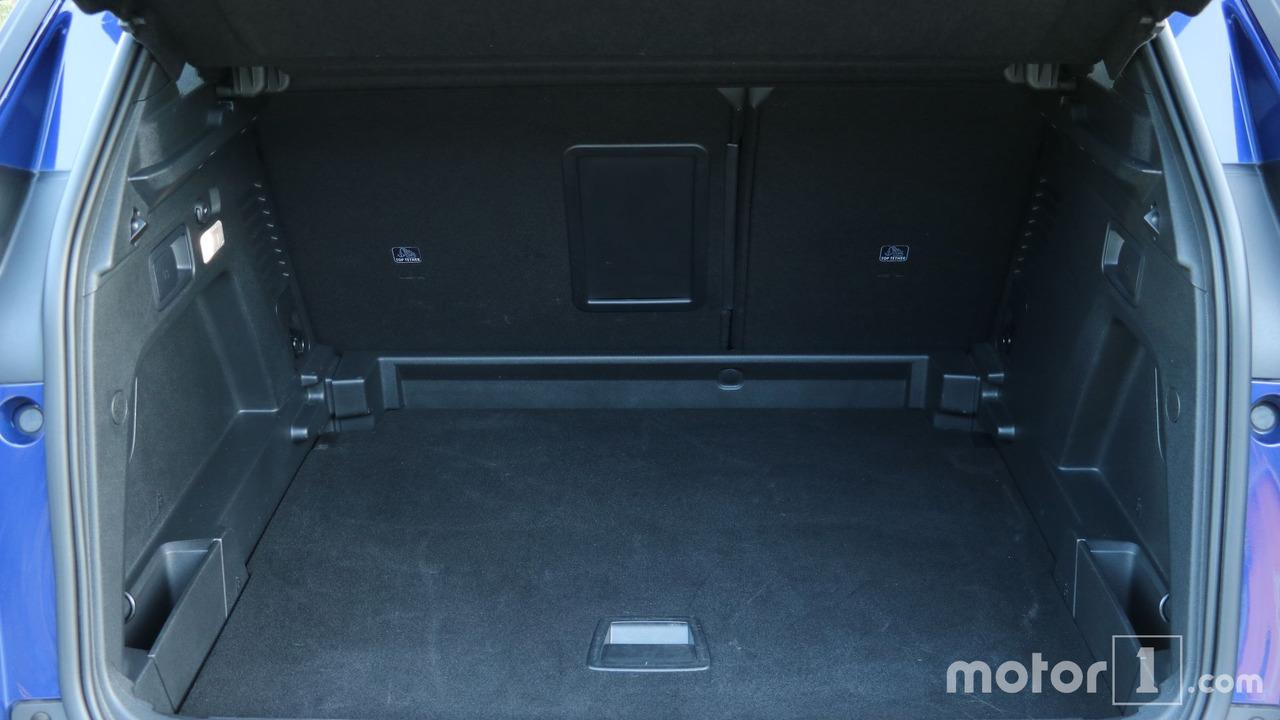 essai peugeot 3008 ii foto france. Black Bedroom Furniture Sets. Home Design Ideas