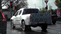 Mercedes-Benz X-Class Spy Video
