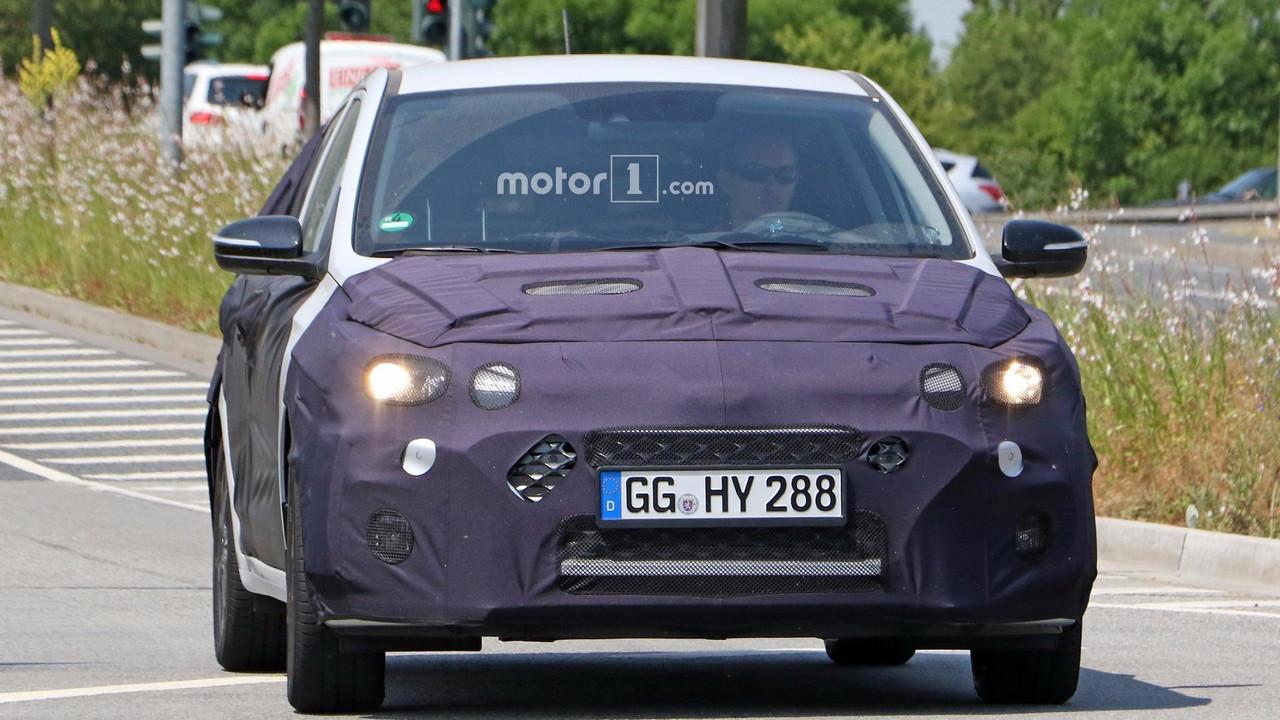 2018 Hyundai i20 facelift spy photo