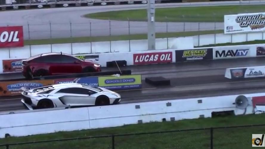 Bekajálta a Tesla Model X P100D a V12-es Lamborghinit?