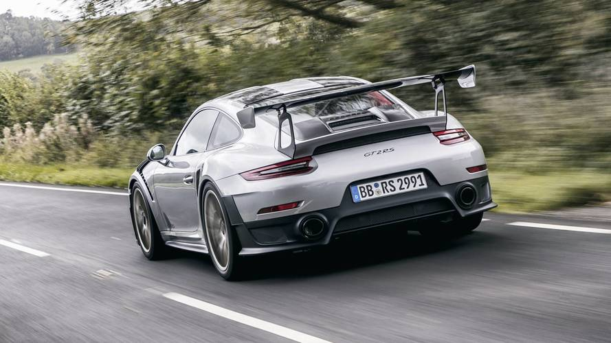 ¡Brutal! Así acelera el Porsche 911 GT2 RS 2018, de 0 a 356 km/h
