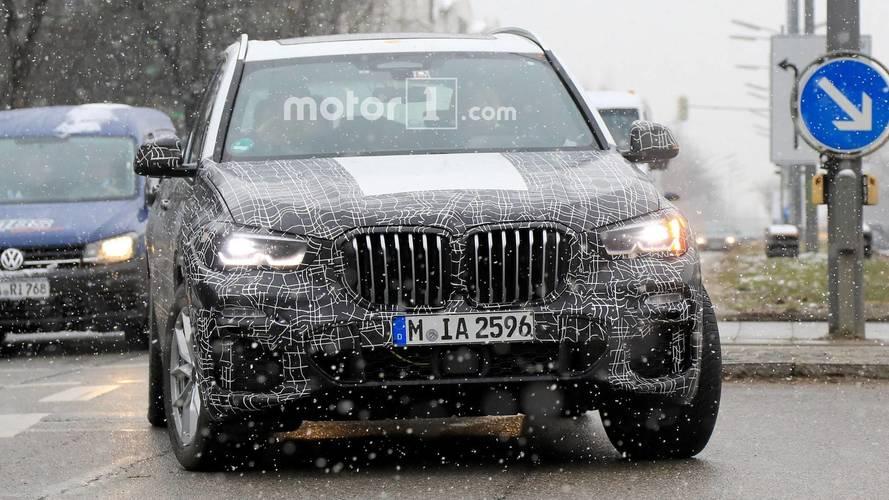 Flagra: Novo BMW X5 2019 não consegue esconder grade imensa em fotos