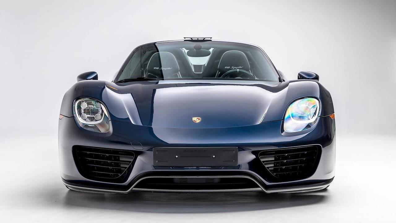 porsche shows on video its 5 quickest accelerating cars. Black Bedroom Furniture Sets. Home Design Ideas