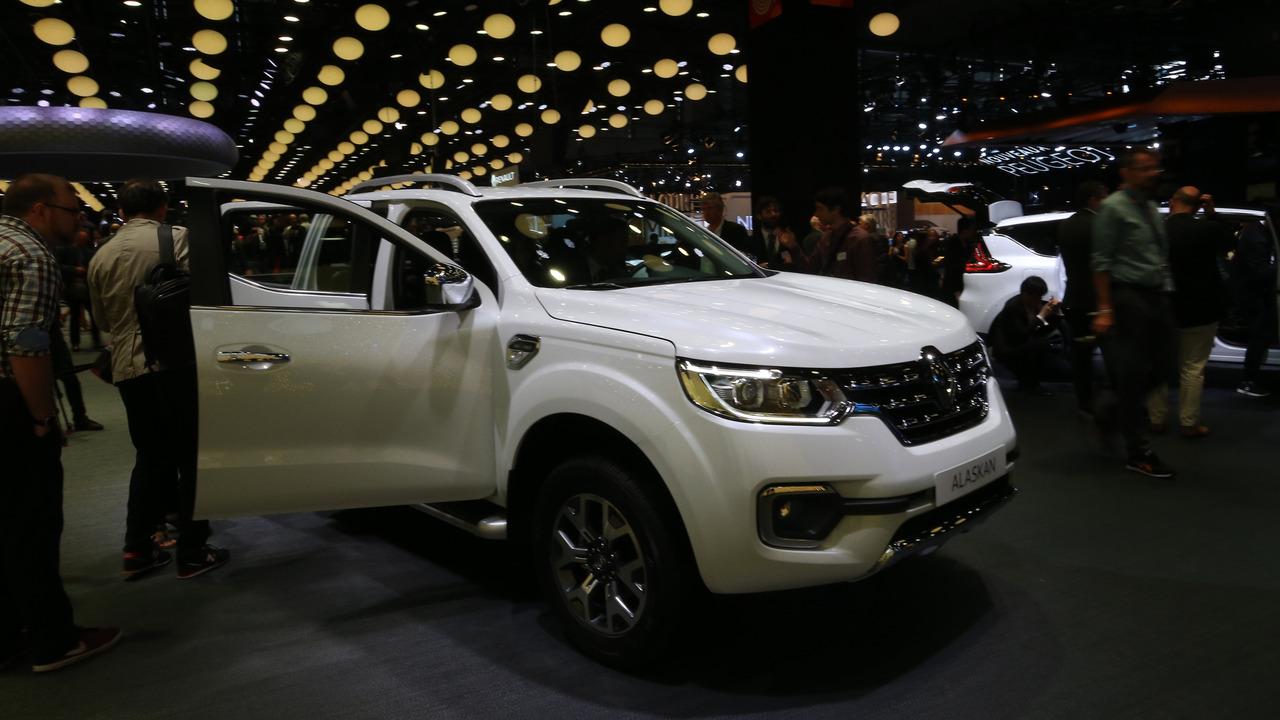 2016 Renault Alaskan - Paris Otomobil Fuarı