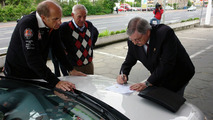 The president of the IPMC certifies consumption record Ibiza ECOMOTIVE in Göttingen (Germany).
