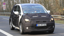Mystery Kia Venga Facelift Spy photo 15.04.2010