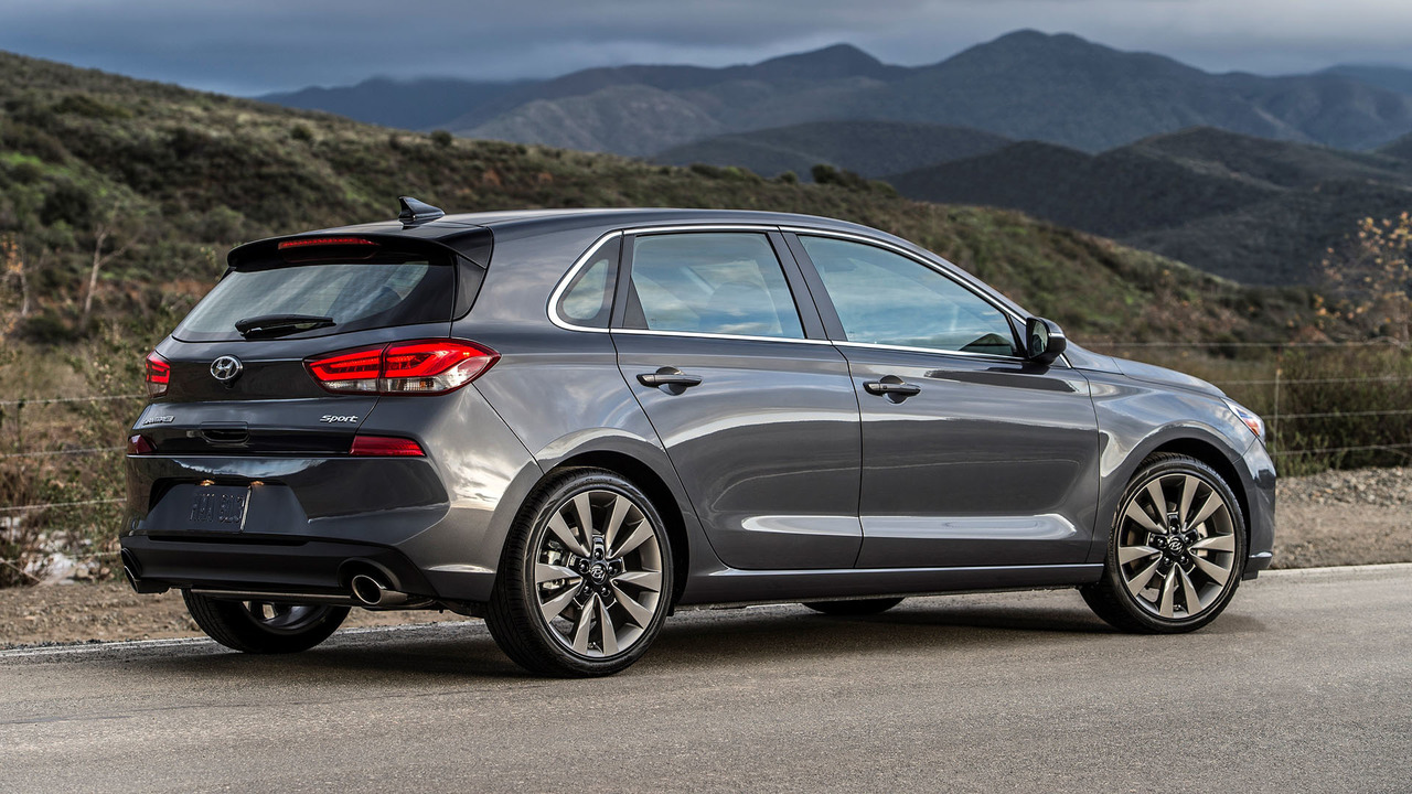 2018 hyundai elantra gt hatchback i30 unveiled available with the same. Black Bedroom Furniture Sets. Home Design Ideas