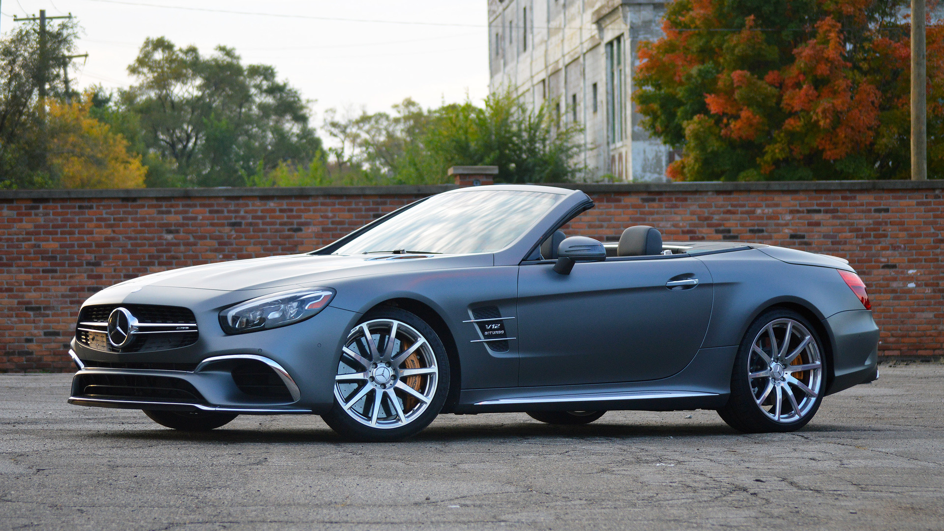 https://icdn-1.motor1.com/images/mgl/e1mPW/s1/2017-mercedes-amg-sl65-review.jpg