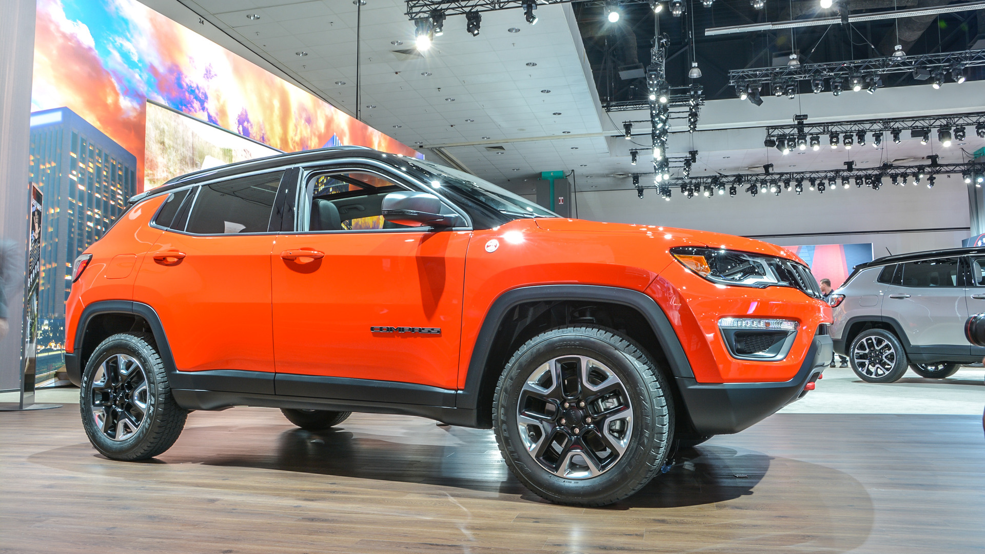2017 Jeep Compass makes makes North American debut with 180 hp and 7.9 L
