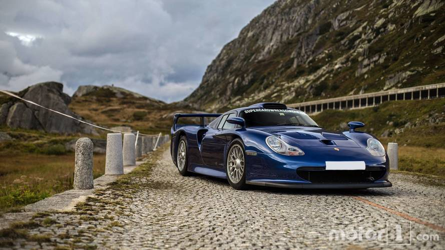 Porsche 911 GT1 Poses In The Alps