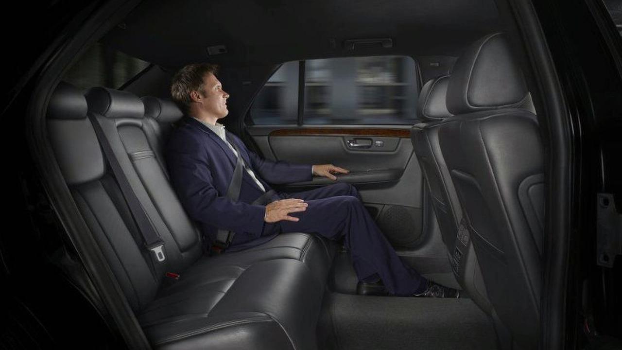 Cadillac DTS-L interior