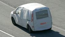 Renault Kangoo Spy Photos