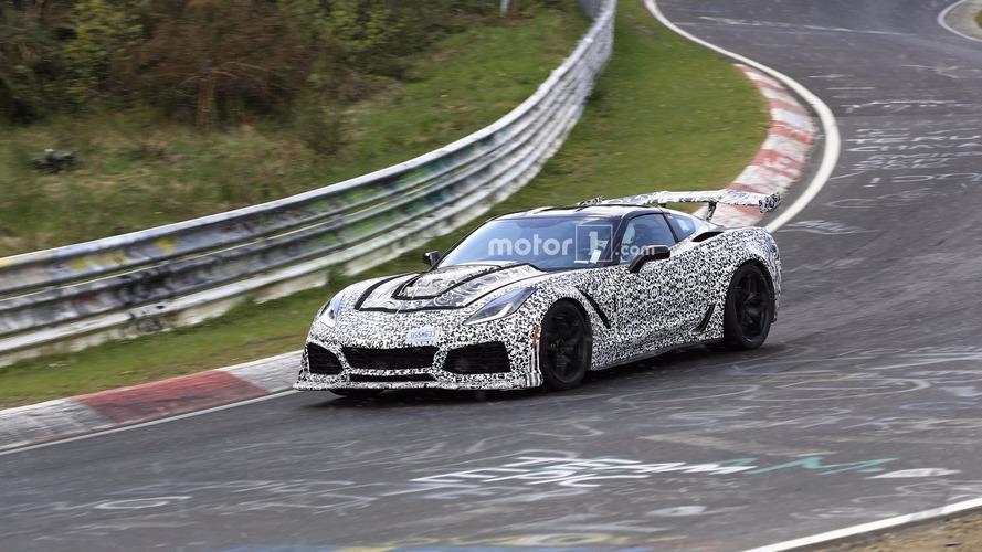 2018 Corvette ZR1 prototipini Nürburgring'de turlarken izleyin