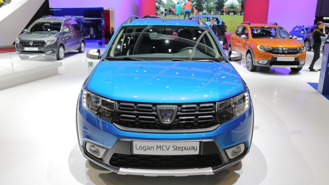 dacia logan mcv added to rugged stepway family. Black Bedroom Furniture Sets. Home Design Ideas