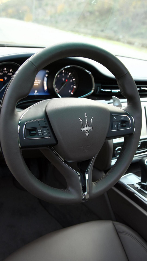 Maserati confirms 2013 Quattroporte engine lineup [47 high-res photos] [video]