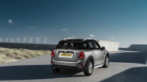 Mini adds plug-in power to new Countryman lineup 018