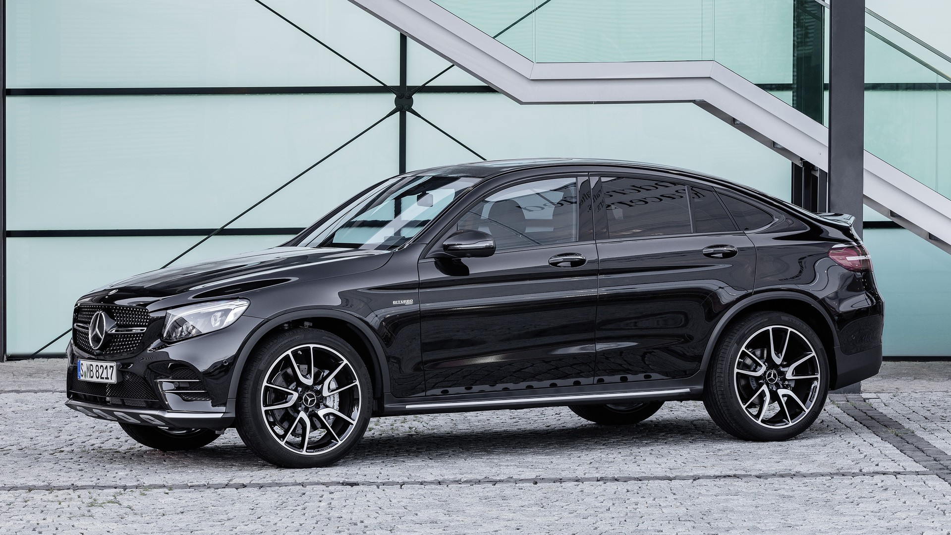 2017 mercedes amg glc43 coupe revealed with 362 hp biturbo v6. Black Bedroom Furniture Sets. Home Design Ideas