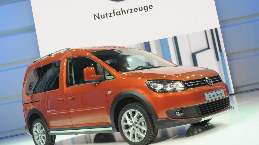 Volkswagen Cross Caddy under the Paris spotlight