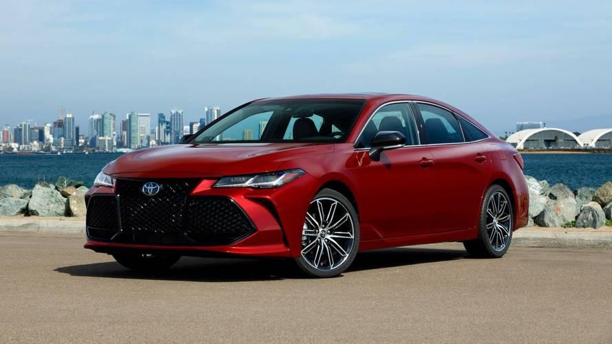 2019 Toyota Avalon Starts At $35,500, Hybrid Priced At $36,500