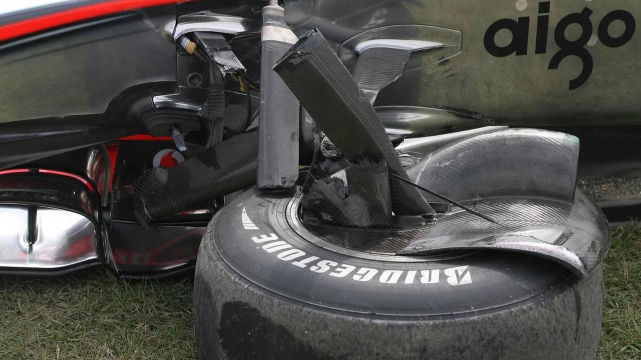 Car of Lewis Hamilton (GBR), McLaren Mercedes after he crashes during first practice - Formula 1 World Championship, Rd 16, Japanese Grand Prix, Friday Practice, 08.10.2010 Suzuka, Japan