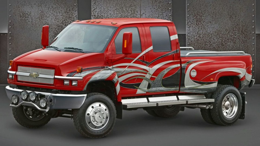 GM kills medium-duty trucks while opening new battery lab