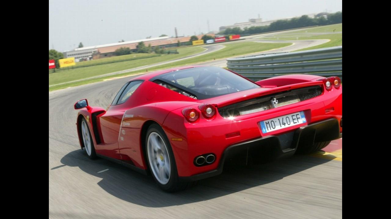 Ferrari promete mostrar sucessora da Enzo no fim deste ano