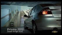 """Comercial do Prisma 2012 diz que """"quem dirige vicia"""""""