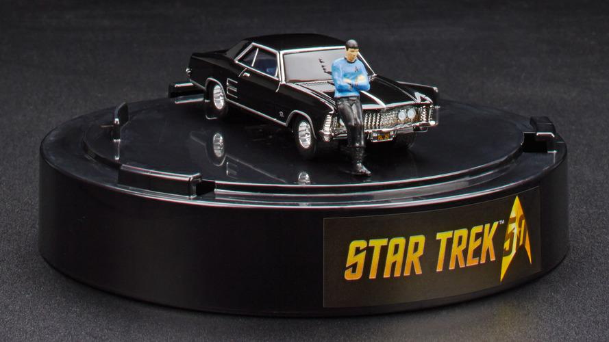 Hot Wheels, ünlü fotoğrafının modeliyle Spock'a Vulcan selamı veriyor