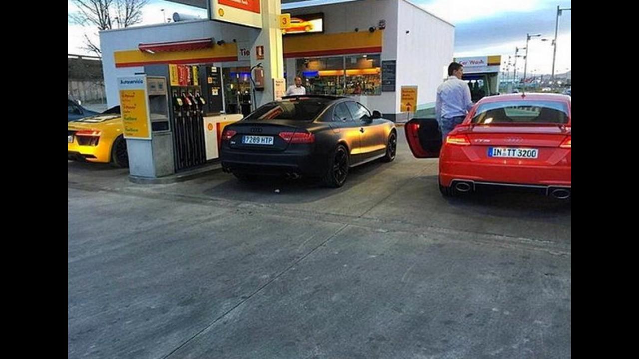 """Flagra: novo Audi TT RS é clicado """"limpinho"""" em posto de gasolina"""