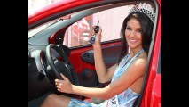 Una Peugeot 107 a Miss Italia nel Mondo 2010