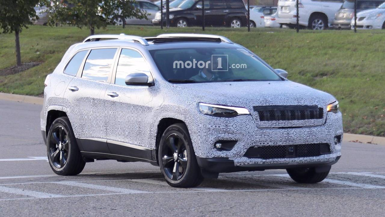 2018 jeep cherokee spied showing its redesigned headlights. Black Bedroom Furniture Sets. Home Design Ideas