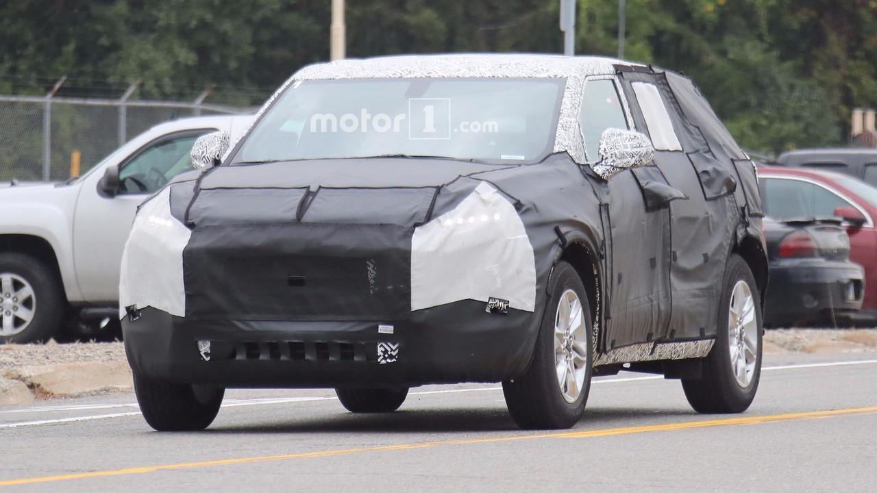 Blazer chevy blazer : 2019 Chevy Blazer Spy Shots   Motor1.com Photos