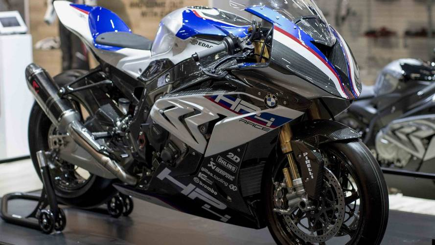 Salão Duas Rodas - BMW lança supermoto HP4 Race no Brasil por R$ 490 mil
