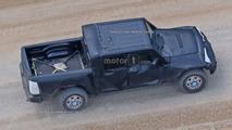 Jeep Wrangler pickup photos espion
