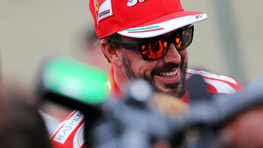 Alonso visits Ferrari sports car team in Bahrain