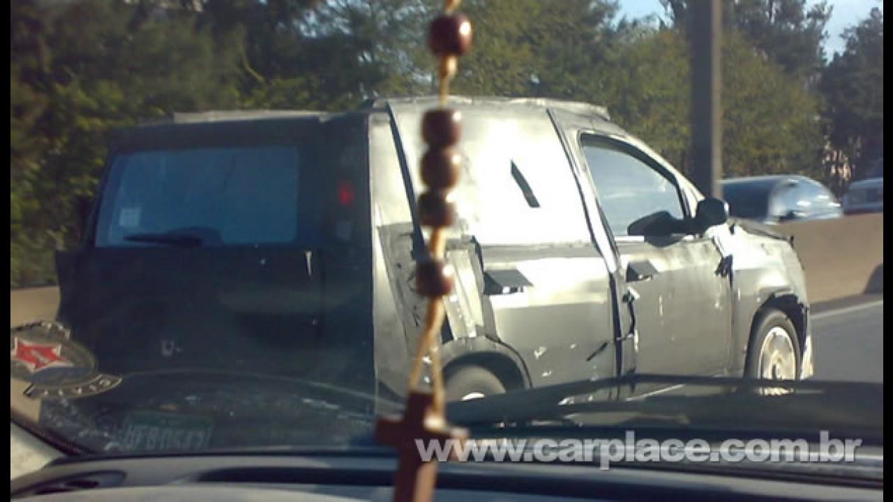 Leitor faz projeção do Novo Fiat Uno 2011 - Modelo camuflado foi flagrado em Divinópolis