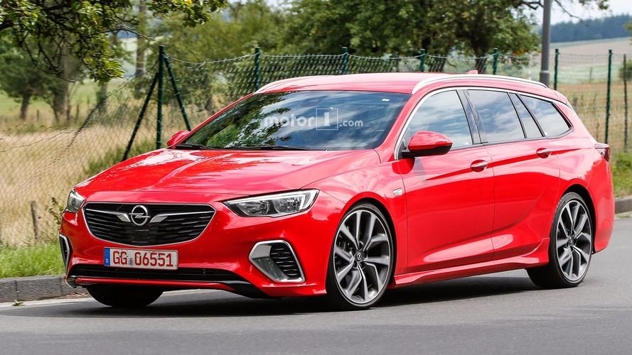 Opel Insignia GSi Sports Tourer kameralara yakalandı