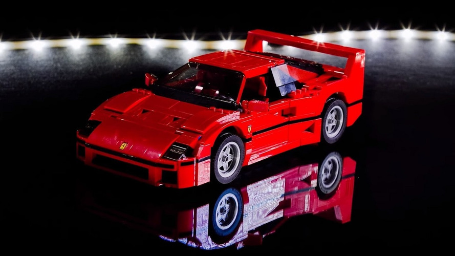Lego Ferrari F40 comes to life in less than a minute [video]