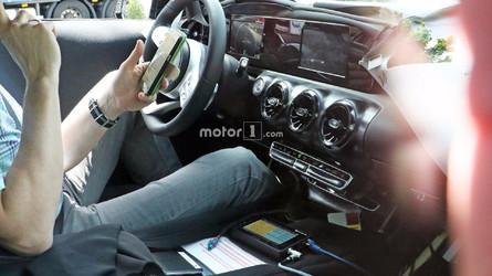 Flagra - Novo Mercedes Classe A 2018 vai perder o