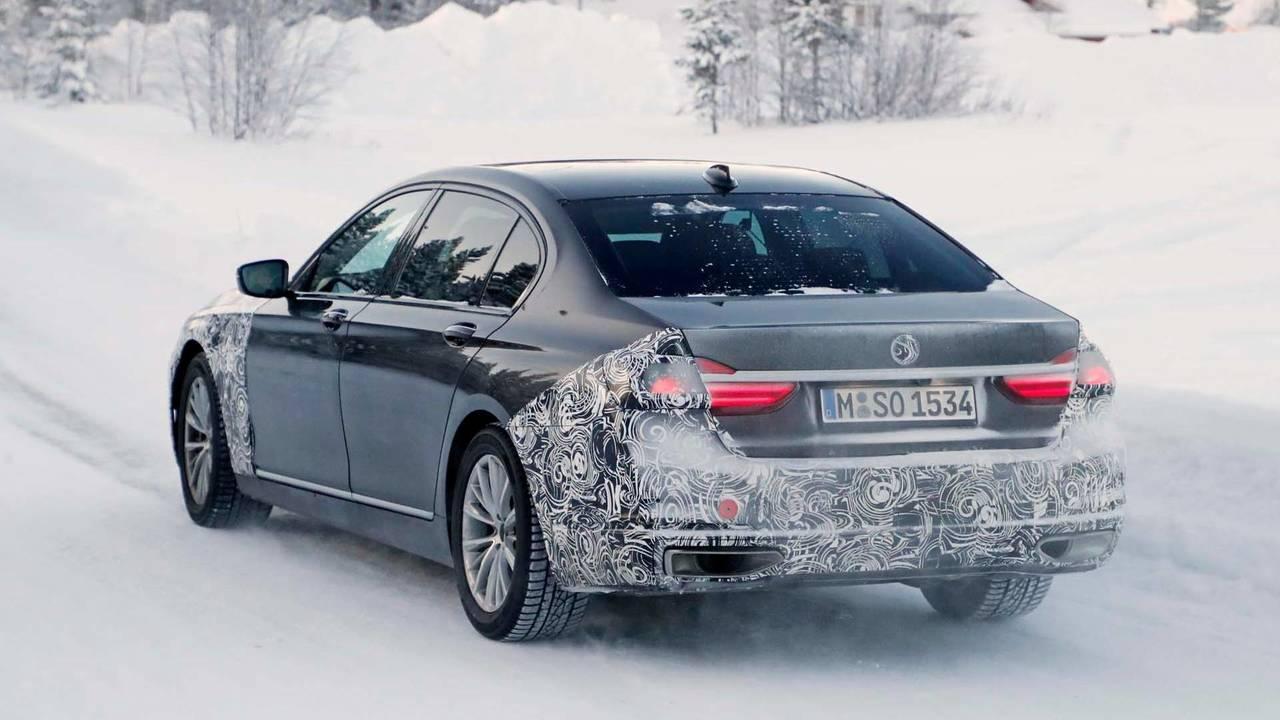 Makyajlı BMW 7 Serisi casus fotoğraf