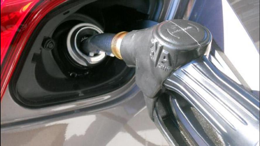 Prezzi benzina, con le vacanze arrivano gli aumenti