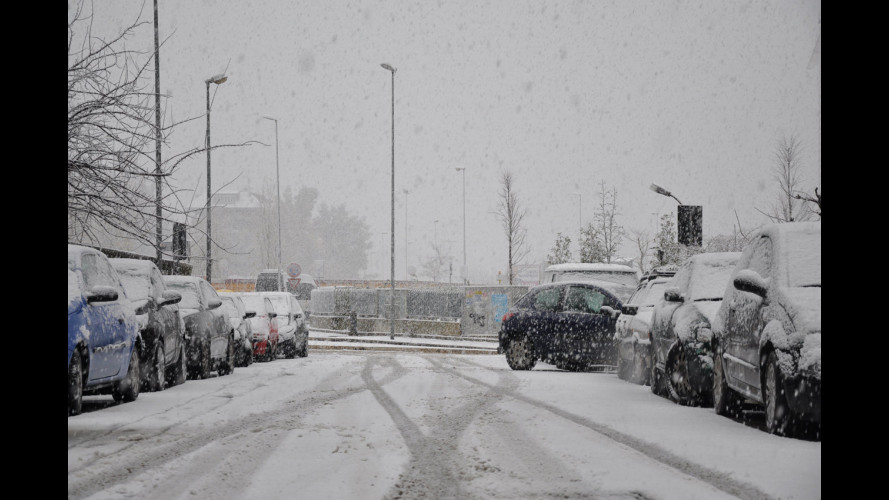 Neve a Roma, torna l'obbligo di catene a bordo o pneumatici invernali